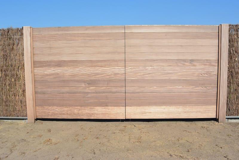 Houten poort horizontale klikplanken - Afromosia
