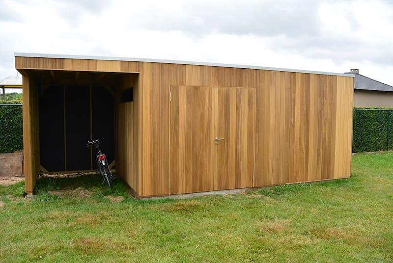 Moderne tuinberging met luifel in Thermo Ayous
