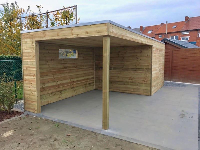 Tuinhuis geïmpregneerd hout met aansluitend een zitruimte